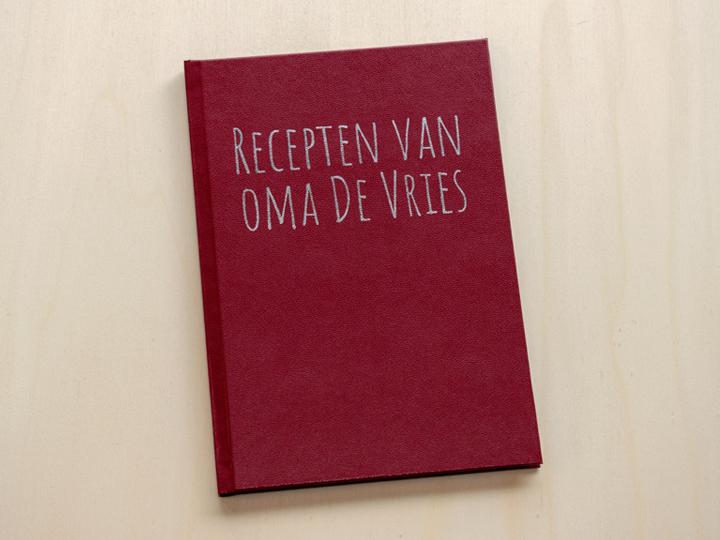 kunstleren boek met zilveren bedrukking