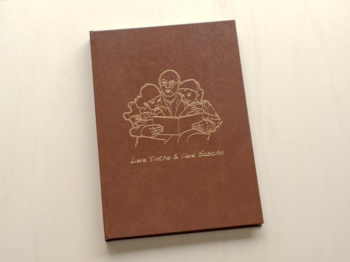 boek met gouden opdruk