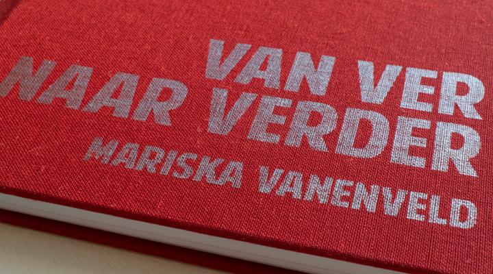 zilveren tekst op boek 1 exemplaar